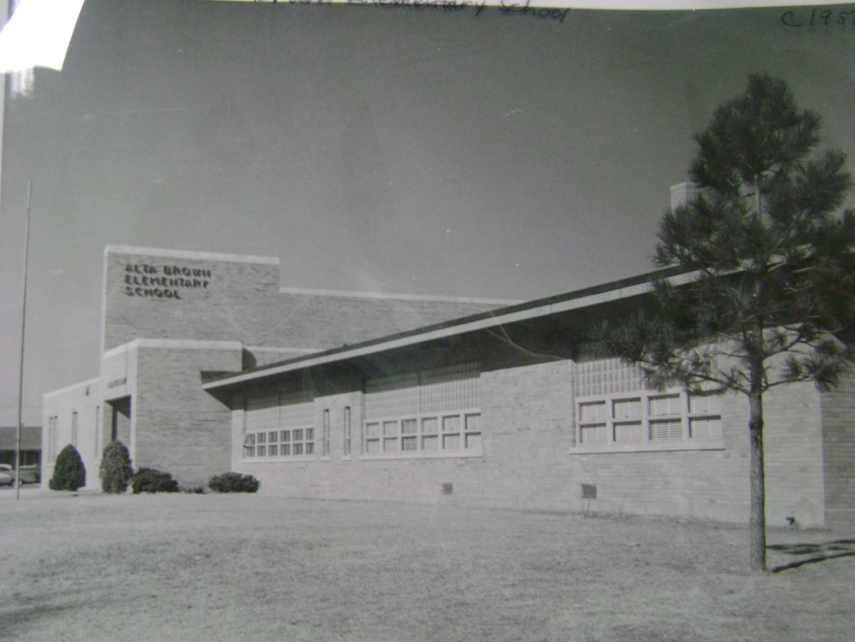 Alta Brown Elementary, circa 1950s (Photo courtesy of the Finney County Historical Society)